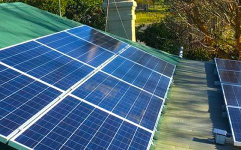 Roof-top solar installation at Grumpy's Brehaus